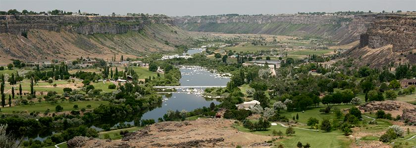 """""""Snake river canyon 20070602"""" uploaded by Gh5046 at Wikipedia"""
